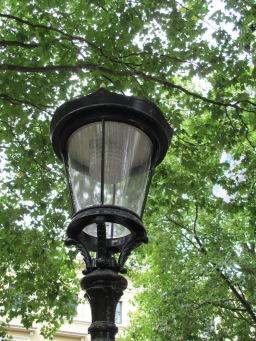 Lichtkappen lantaarnpalen gerenoveerd