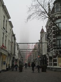 Utrecht in nevelen gehuld op Nieuwjaarsdag