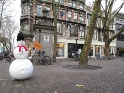 Sneeuwpoppen als reclamestunt